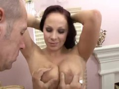 Gianna Michaels, cul gros, grans mamelles, tetes, pits grossos, morenes